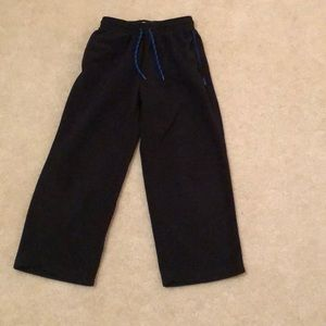 Old Navy boys black fleece pants.